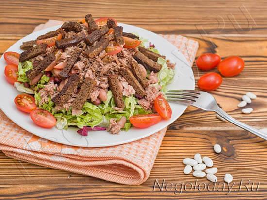 Низкокалорийный салат с тунцом — одно из лучших блюд для здоровья и стройности
