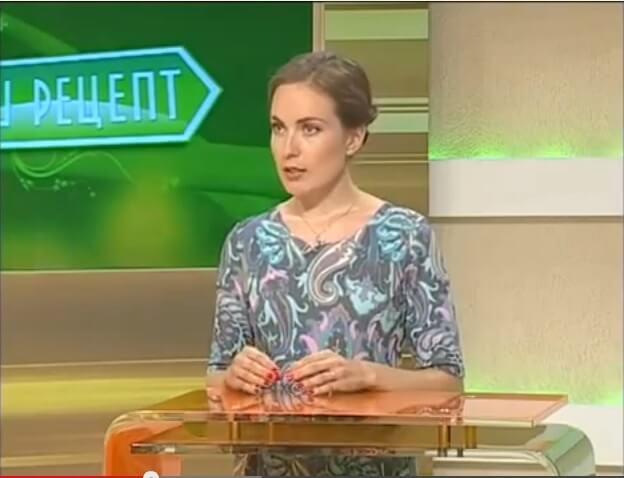 Ольга Деккер отвечает на вопросы на телеканале Россия