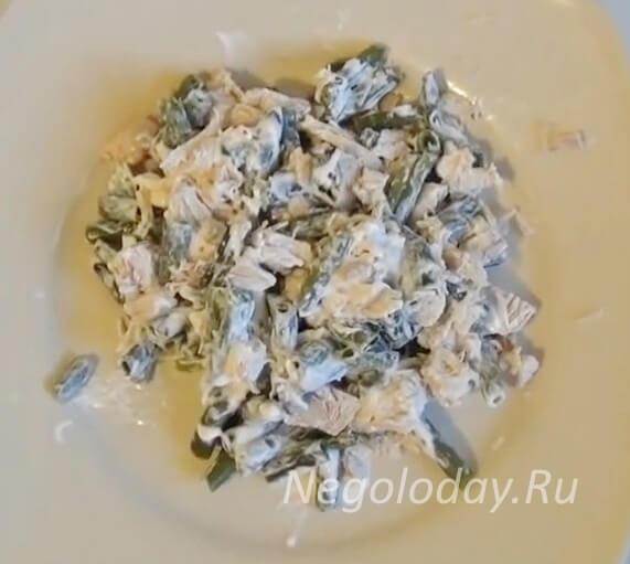 салат из куриных грудок и стручковой фасоли