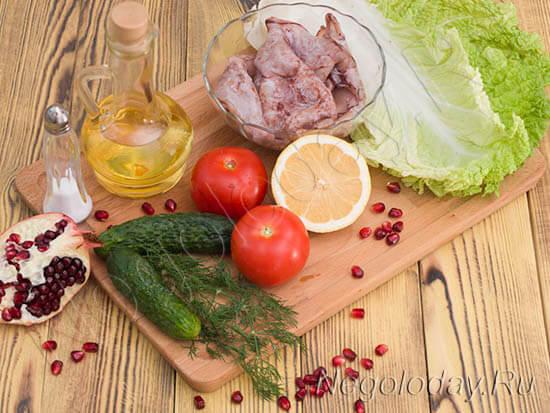 продукты для низкокалорийного салата с кальмарами