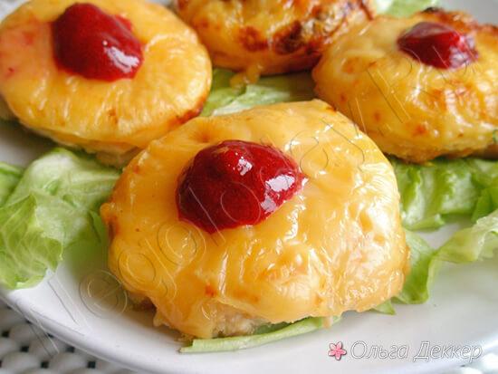 Куриная грудка с ананасами и сыром
