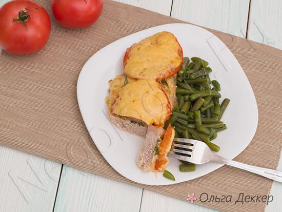 Запеченная свинина в духовке с помидорами